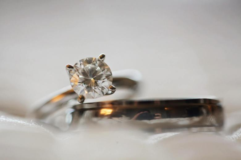 Engagement ring - tips to keep your jewellery safe and clean