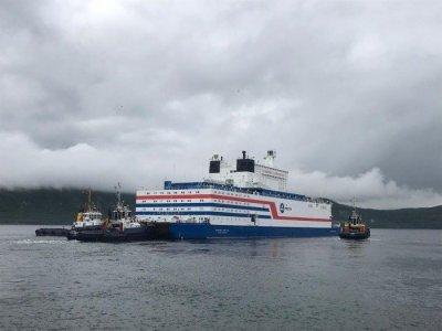 Первая и единственная в мире плавучая АЭС вышла в море