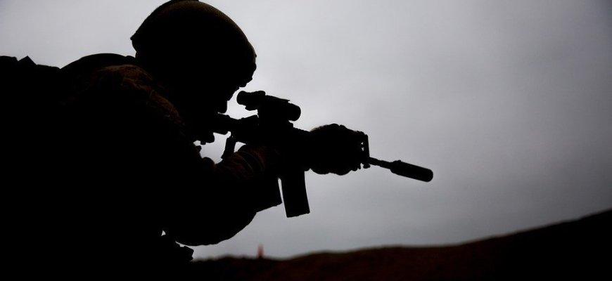 Украинские боевики ВСУ отрезали голову своему сослуживцу