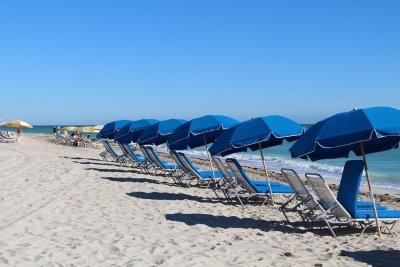 На пляжи Флориды выбросило «урожай» кокаина