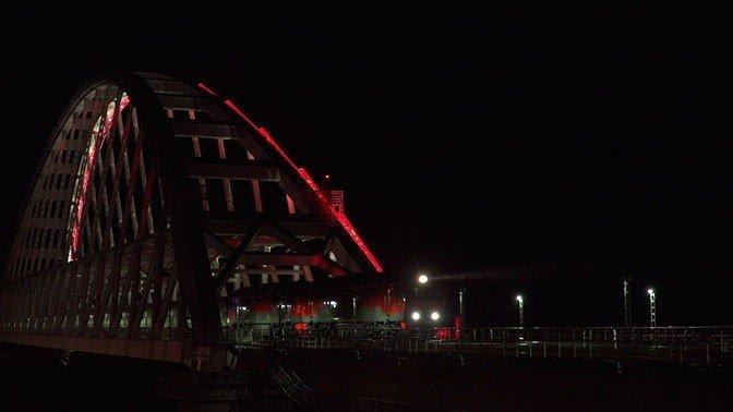 """Поезд №7 """"Таврия"""" Санкт-Петербург-Севастополь впервые прошёл по Крымскому Мосту"""