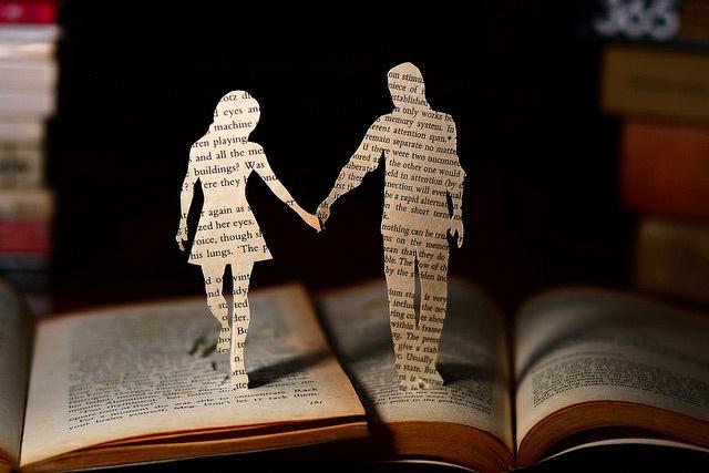 boy-girl-holding-hands