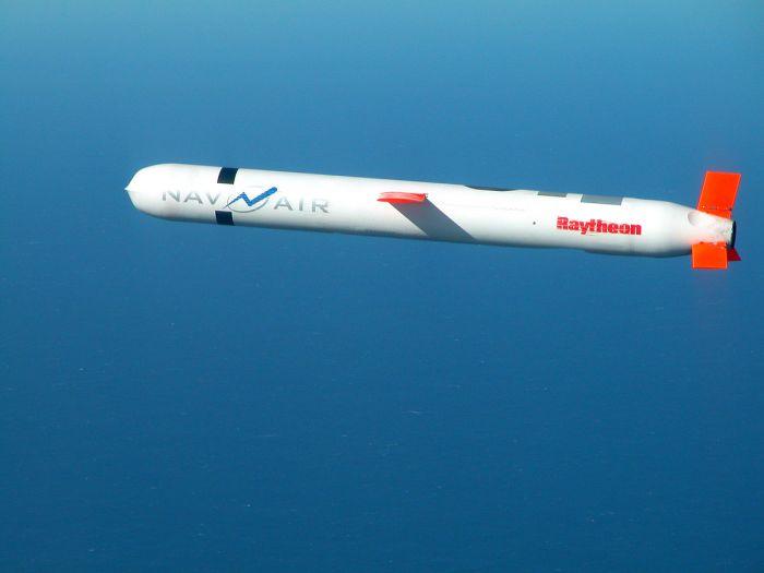 1200px-Tomahawk_Block_IV_cruise_missile