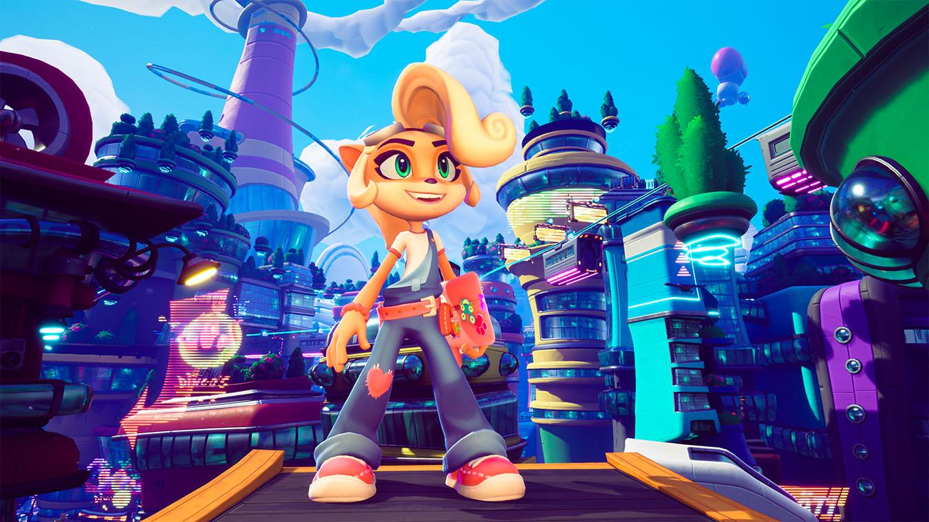 Coco Bandicoot feliz sobre una plataforma