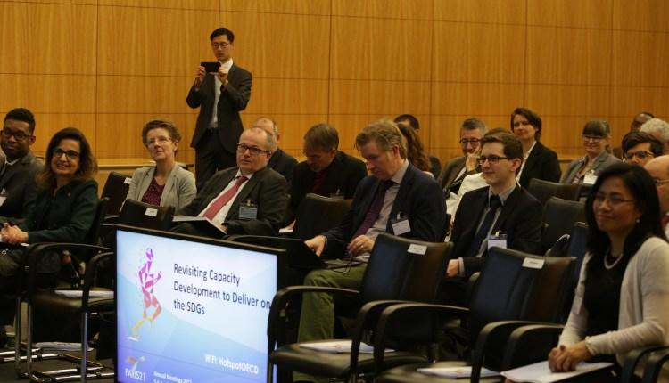 Delegates at PARIS21 Board Meeting 2
