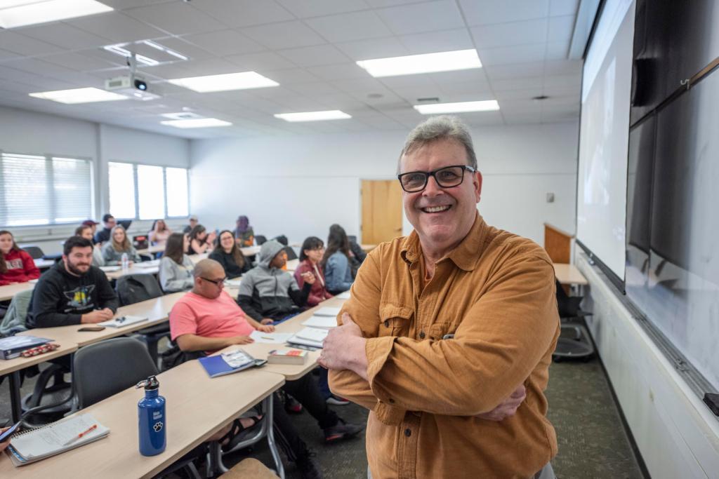 Jeff Livingston, the University's 2018-19 Faculty Service