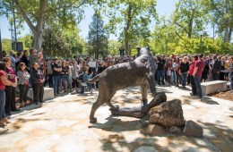 The Wildcat Statue is perched in front of an audience of hundreds of Chico State students, staff and faculty.