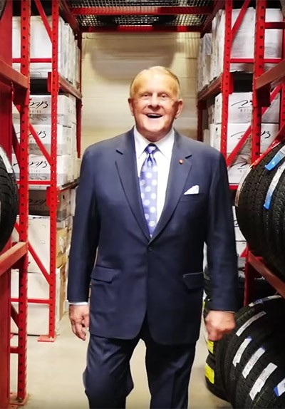 Discount Tire Owner : discount, owner, Founder, Chairman, Discount, Distinguished, Eastern, Michigan, University, Alumnus, Benefactor,, Bruce, Halle,, Today