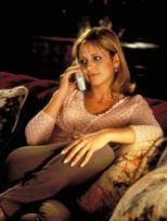 "Cici Cooper (Sarah Michelle Gellar) being harassed by Ghostface in ""Scream 2"" Dimension Films"