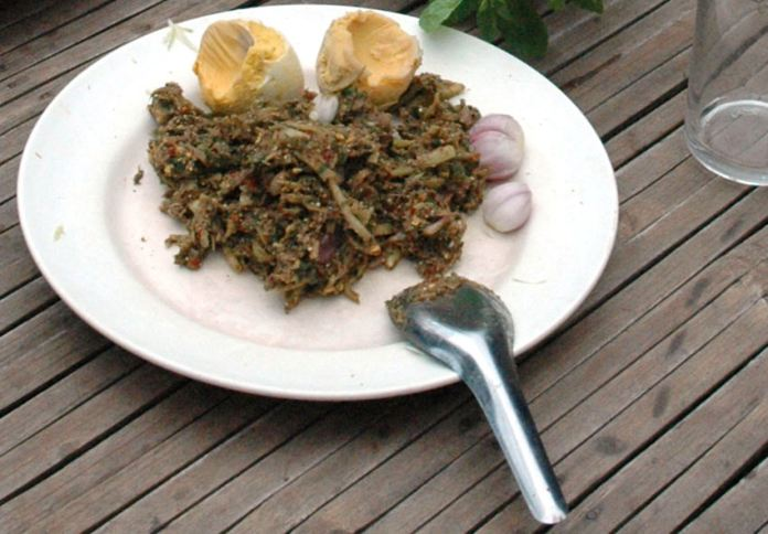 Iguana eggs and meat. Photo via Wikimedia Commons