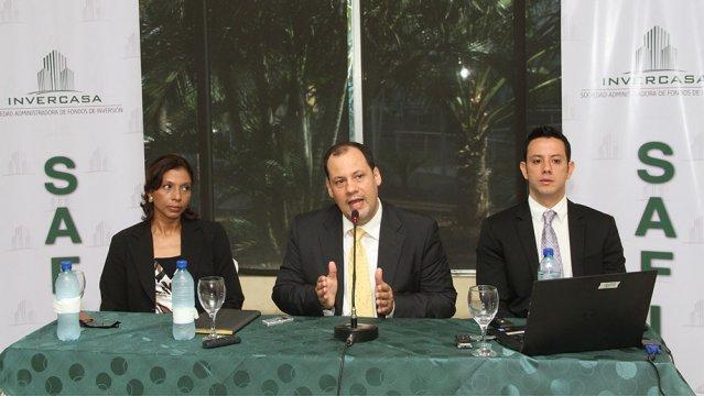 Emiliano Maranhao (centre) made the announcement