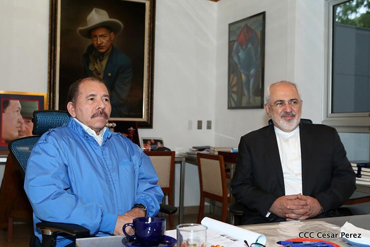 Nicaragua president Daniel Ortega (L) and Iran's Foreign Minister, Mohammad Javad Zarif (L)