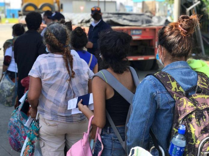 At least 148 Nicaraguans stranded at Peñas Blancas border enter the country