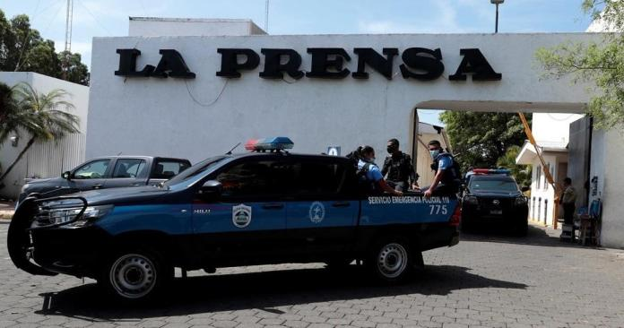 "Nicaragua police raid the newspaper 'La Prensa' by accusing it of ""customs fraud"""