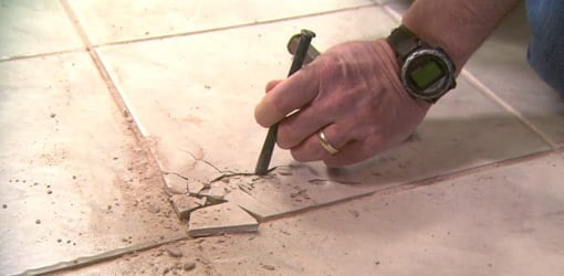 how to remove and replace a damaged ceramic tile