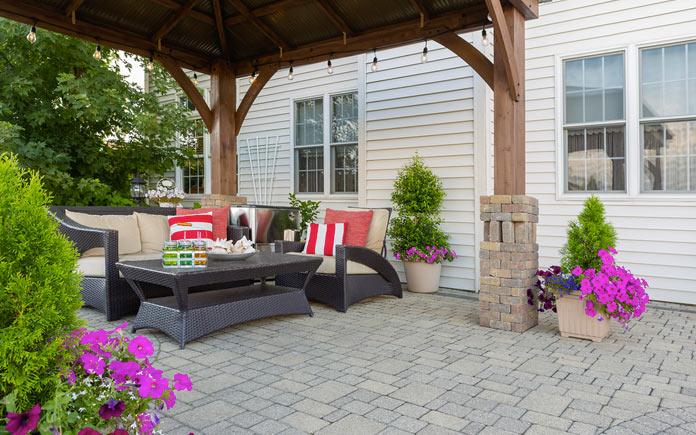 5 hardscape ideas to make your backyard