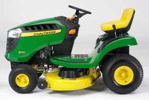 JOHN DEERE UNVEILS THE NEW 100 SERIES LAWN TRACTOR 1