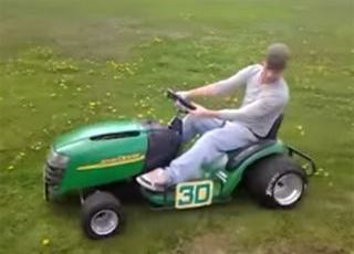 Think Your Craftsman is Fast? Check out this Deere 4