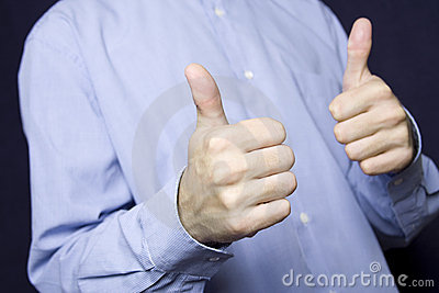 two-thumbs-up-17774197