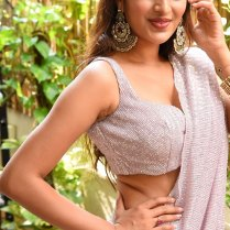 Nidhhi_Agerwal-HD_immages (4)