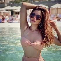shama-sikander-sexy-photos (2)