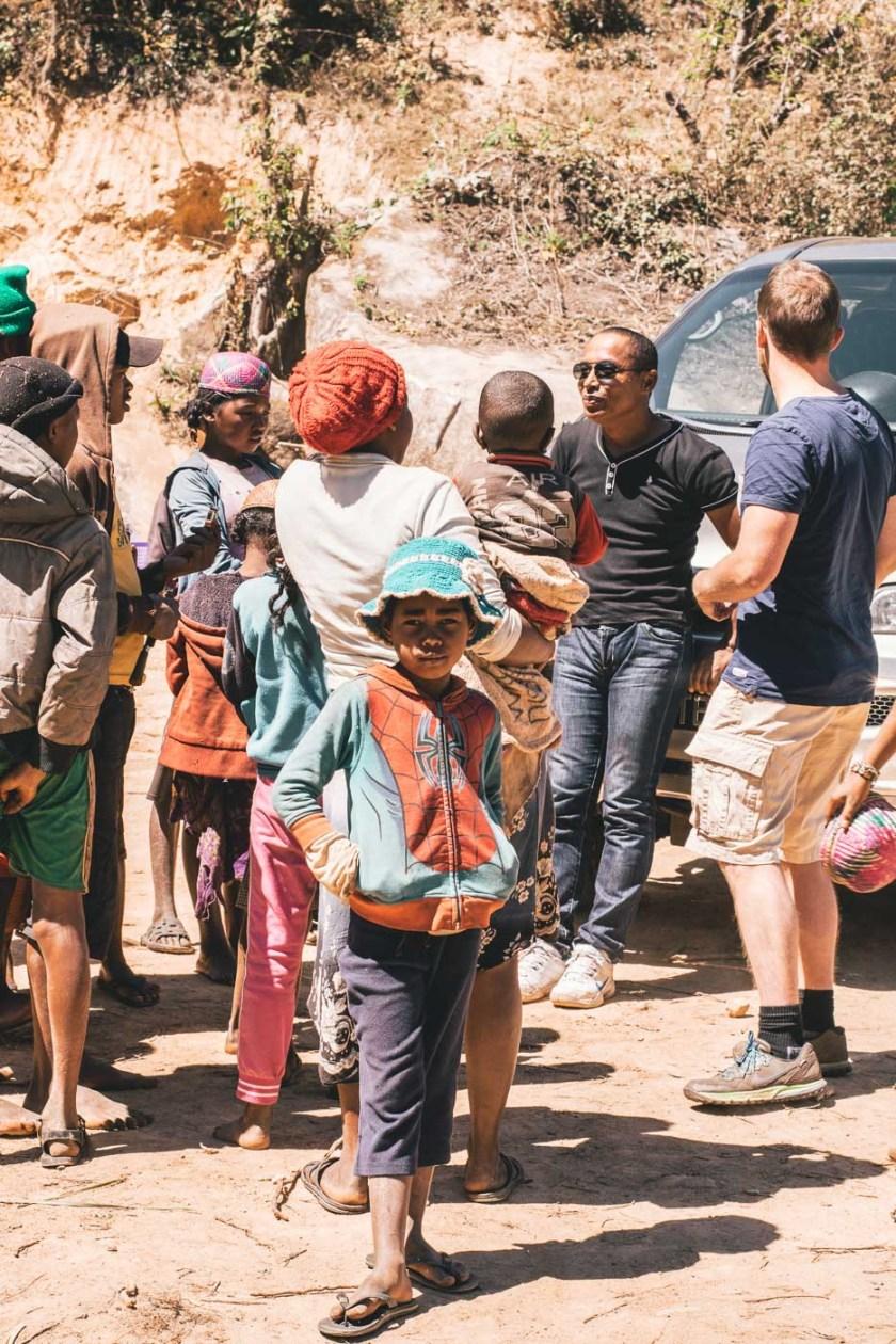 madagaskar rundreise auto menschen Begegnungen
