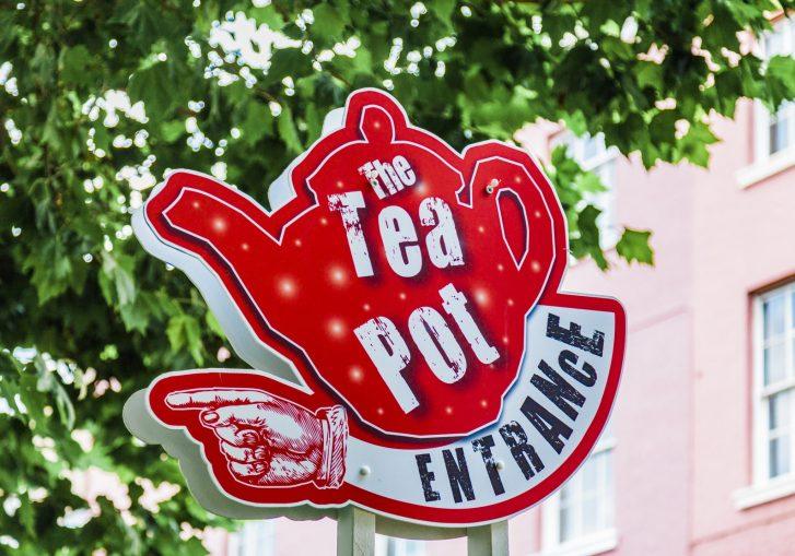 The Tea Pot 01