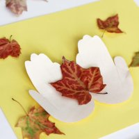 Hold a Fall Leaf Craft