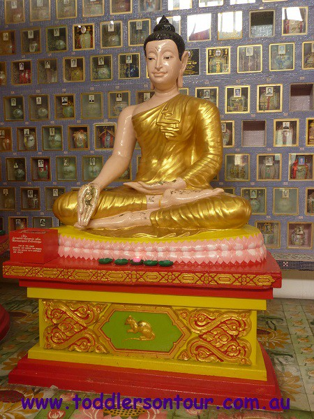 Penang Chinatown - Wat Chayamangkalaram Thai Buddist Temple