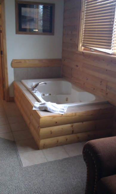 GJGBR - hot tub