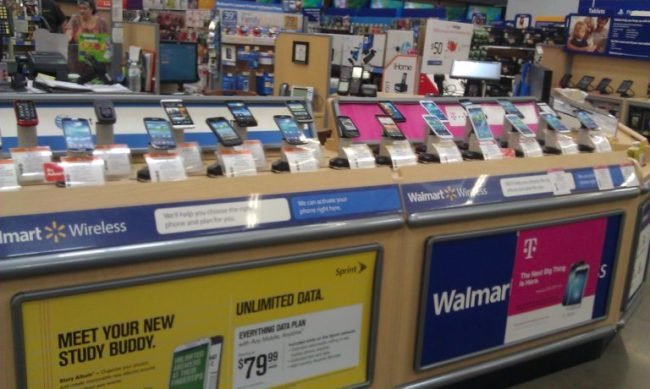 WalMart Family Mobile Keeps Me Connected - #cbias #FamilyMobileSaves - Toddling Around Chicagoland #shop