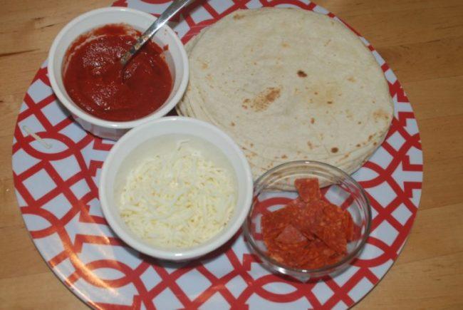 Tortilla pizzas - Netflix #StreamTeam - Toddling Around Chicagoland