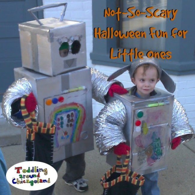 Not-So-Scary Halloween Fun for Little Ones - Toddling Around Chicagoland #Halloween #Chicago