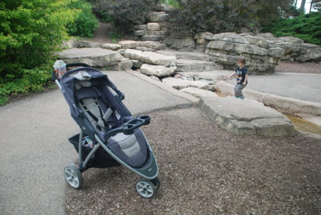 Chicago City Guide sponsored by Chicco #ChiccoKidsCityGuide [ad] - Morton Arboretum rocks