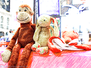 Leaving New York - Kay Bermudez photo shoot - the kids' three most precious toys hanging out at Times Square