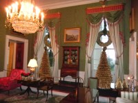 Christmas Decorating at the White House, Installation ...