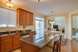 25500 Meadow Ct South Lyon MI kitchen