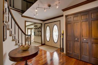 46317 NorthValley Dr-large-005-Foyer-1500x1000-72dpi
