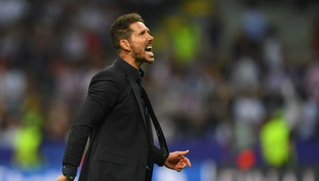 MILAN, ITALY - MAY 28:  Head coach Diego Simeone of Atletico Madrid urges on his side during the UEFA Champions League Final match between Real Madrid and Club Atletico de Madrid at Stadio Giuseppe Meazza on May 28, 2016 in Milan, Italy.  (Photo by Shaun Botterill/Getty Images)