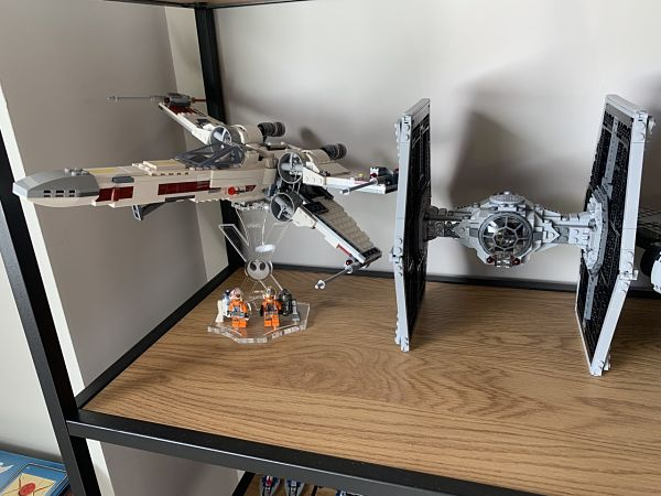 Comparativa X-Wing 75218 con TIE Fighter 75211