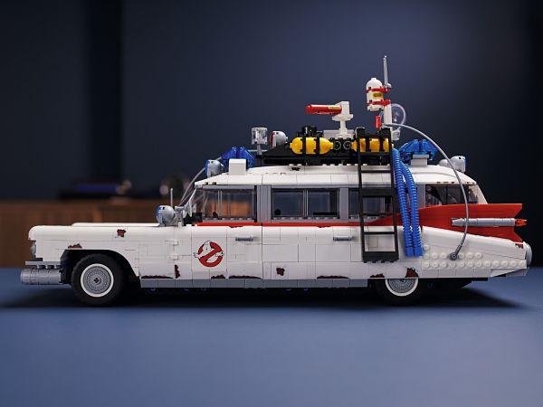 ECTO-1 de LEGO construido-2