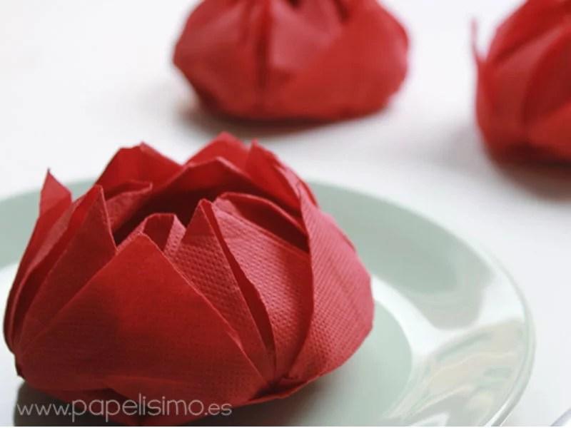 ##Servilletas con forma de flor de loto