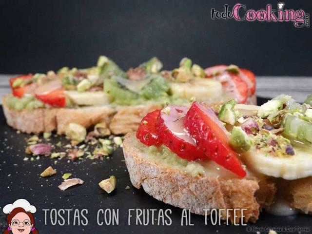 Tostas-frutas-al-toffee-01