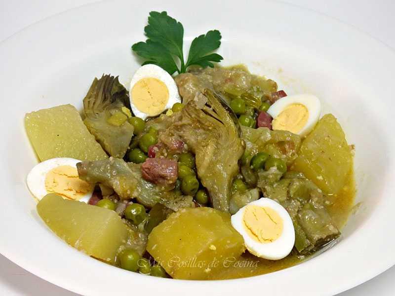 guiso-de-patatas-alcachofas-y-guisantes-con-jamon verduras y hortalizas