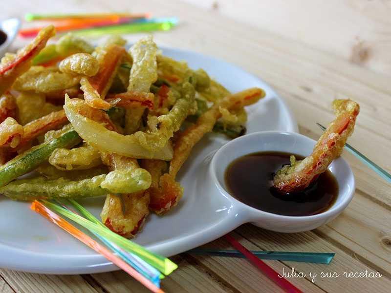 guiso-de-patatas-alcachofas-y-guisantes-con-jamontempura-de-verduras-con-salsa-de-soja-y-miel verduras y hortalizas