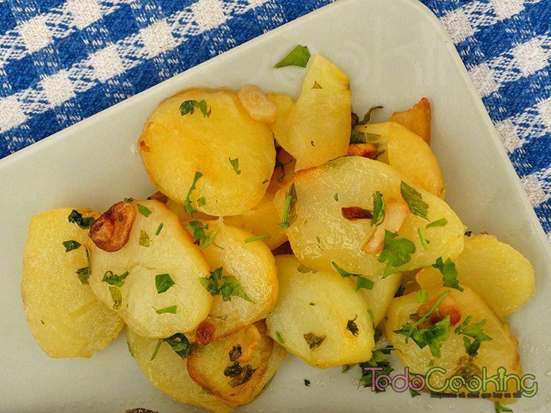 Patatas-al-ajillo-Trucha-a-la-navarra