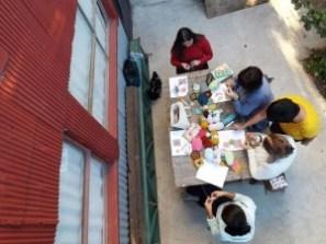 Un grupo de alumnas trabajando