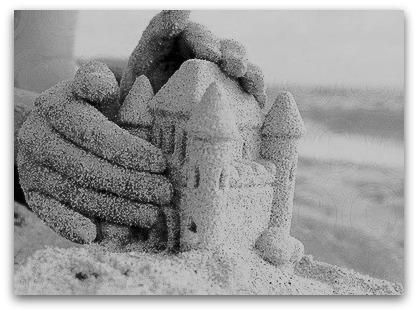 Castelos de areia, sereias, e um brilho no olhar (1/4)