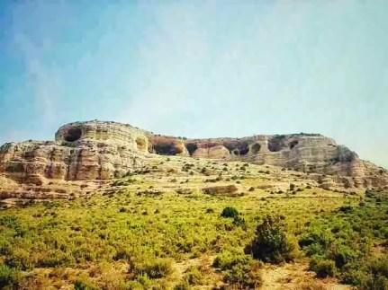Estructura sedimentaria submarina ,erosionada por la acción del mar, en Zaén de Arriba y Bajil.