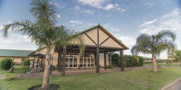 Vista Ingreso Los Naranjos Resort y Spa-Termal